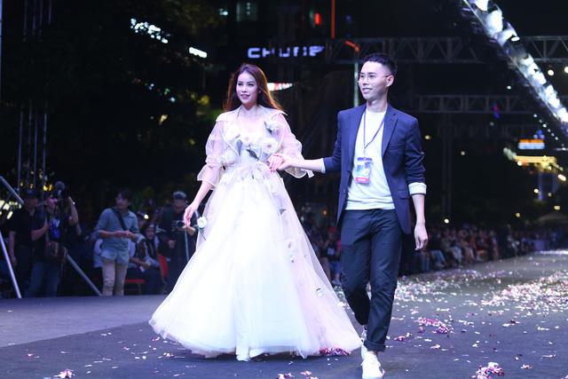 Lâm Gia Khang và màn trình diễn hoành tráng Dấu ấn nàng hương - Ảnh 2.