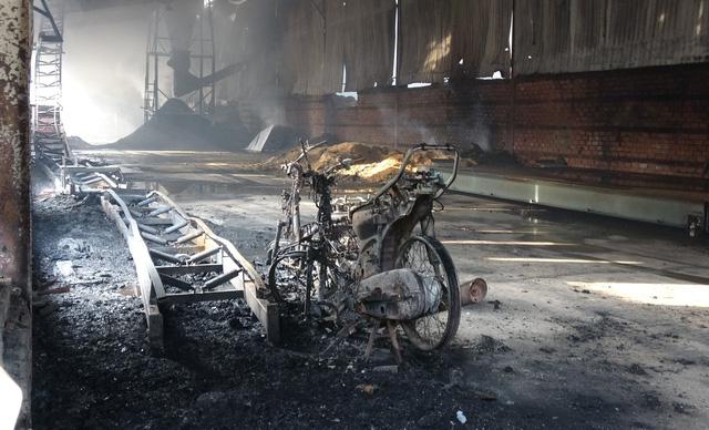 Cháy xưởng sản xuất gỗ, hai công nhân tử vong