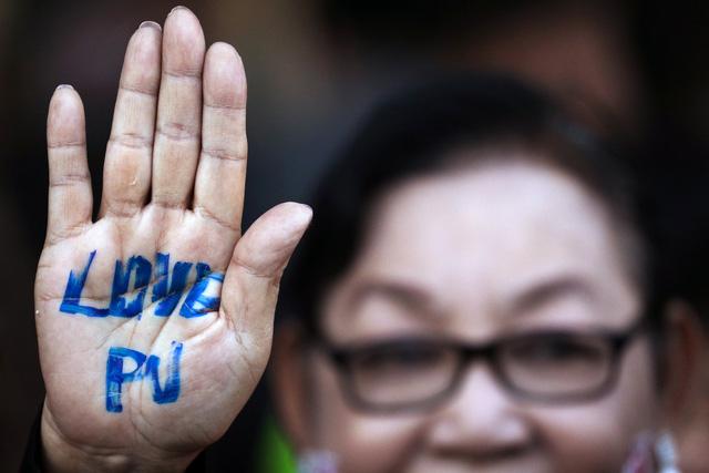 Thái Lan có thật sự muốn bắt bà Yingluck? - Ảnh 2.