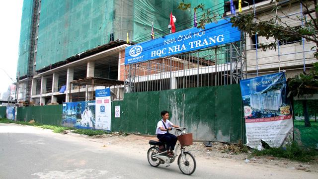 Chậm giao nhà, chủ đầu tư xin lỗi người mua nhà ở xã hội - Ảnh 1.