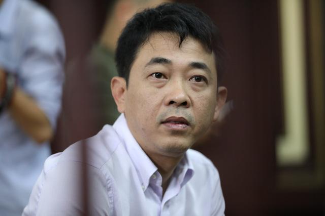 Bắt nguyên giám đốc VN Pharma Nguyễn Minh Hùng tại tòa - Ảnh 1.