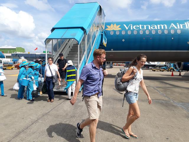 Hành khách liên tục để quên nhiều tài sản ở sân bay - Ảnh 1.