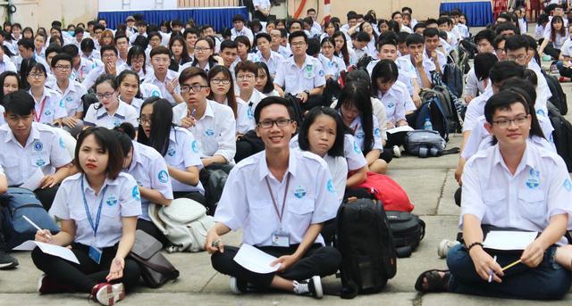 Cả ngàn sinh viên TP.HCM đồng diễn mừng Đại hội Đoàn toàn quốc XI - Ảnh 1.
