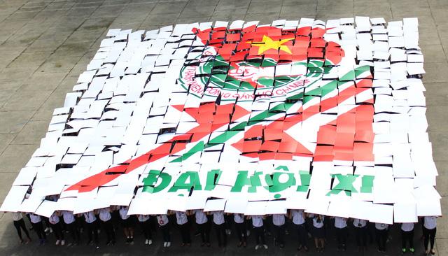 Cả ngàn sinh viên TP.HCM đồng diễn mừng Đại hội Đoàn toàn quốc XI - Ảnh 3.