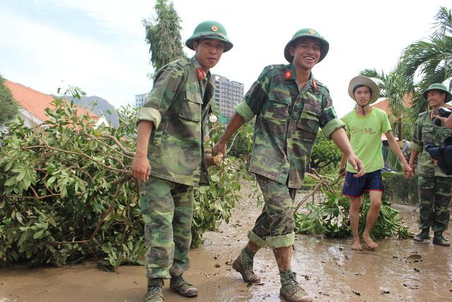 Những người lính trẻ trong vùng bão số 12 - Ảnh 3.