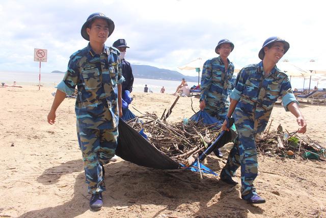 Những người lính trẻ trong vùng bão số 12 - Ảnh 7.