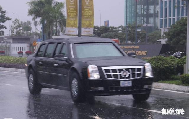 Đoàn xe Quái thú của Tổng thống Mỹ đổ xăng ven đường ở Đà Nẵng - Ảnh 7.