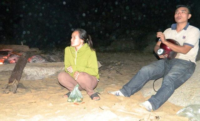 Tìm thấy thi thể 1 trong 2 học sinh mất tích ở biển Thiên Cầm - Ảnh 1.