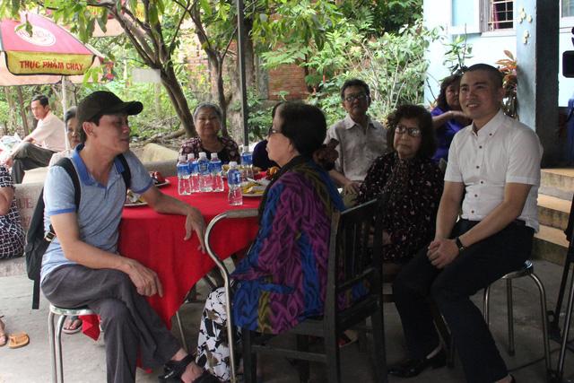 Nghệ sĩ cải lương đến thăm nghệ sĩ Diệu Hiền, Ngọc Hương… - Ảnh 2.
