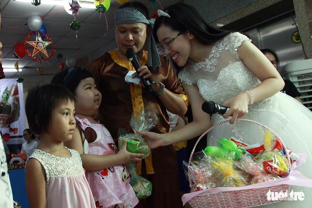 Trung Thu cho trẻ em thiệt thòi ở Hà Nội, Đà Nẵng, TP.HCM - Ảnh 11.