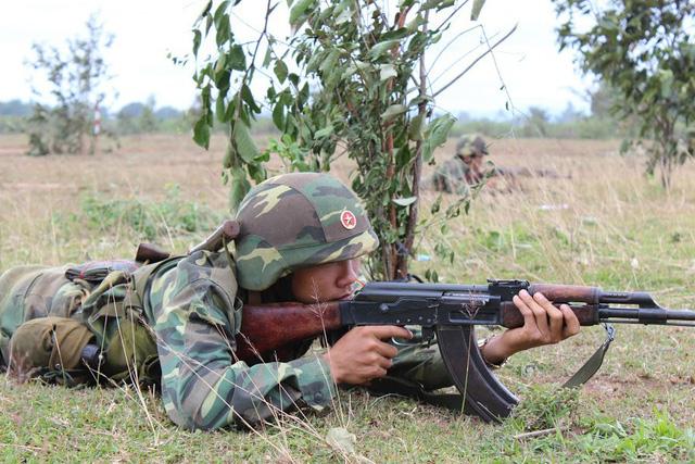 Bộ binh cơ giới Quân đoàn 3 diễn tập bắn đạn thật - Ảnh 3.