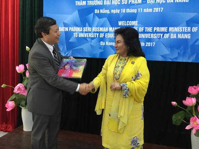 Phu nhân Thủ tướng Malaysia thăm Đại học Sư phạm Đà Nẵng - Ảnh 4.