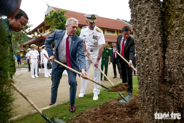 Tư lệnh Hạm đội Thái Bình Dương của Mỹ thăm bãi cọc Bạch Đằng - Ảnh 5.
