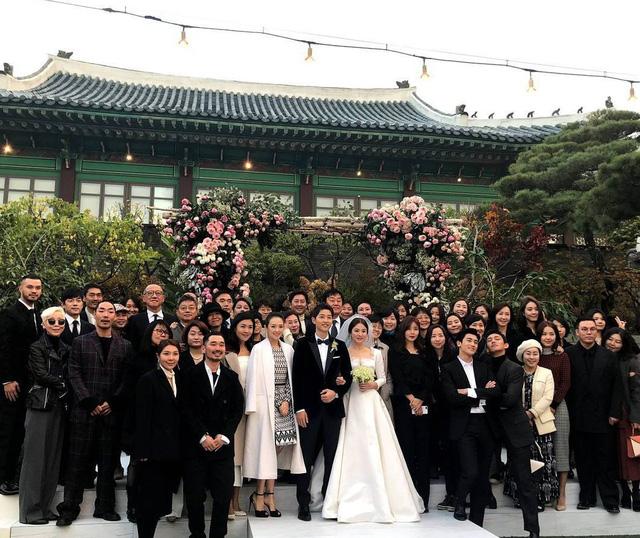 Những điều khiến fan phát điên trong đám cưới Song - Song - Ảnh 16.
