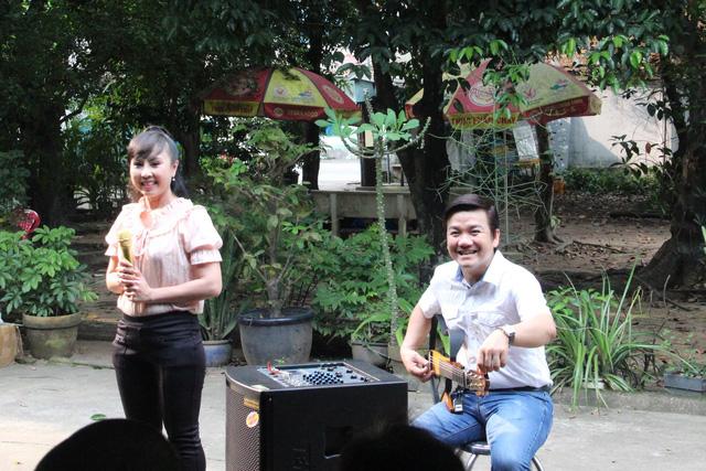 Nghệ sĩ cải lương đến thăm nghệ sĩ Diệu Hiền, Ngọc Hương… - Ảnh 4.