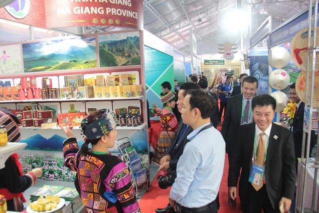 Hàng Việt chờ cất cánh tới các nền kinh tế - Ảnh 2.