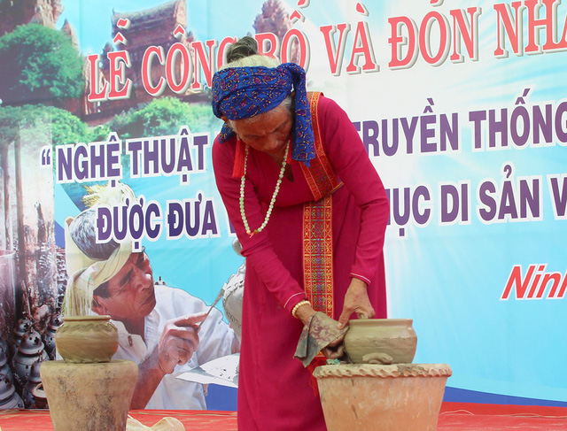 Làng gốm Bàu Trúc và Lễ hội Katê trở thành di sản quốc gia - Ảnh 6.