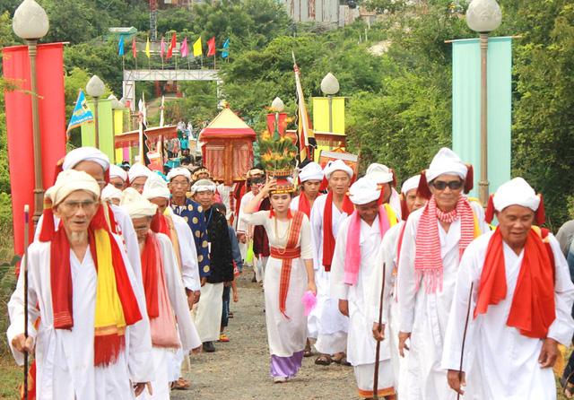 Làng gốm Bàu Trúc và Lễ hội Katê trở thành di sản quốc gia - Ảnh 5.