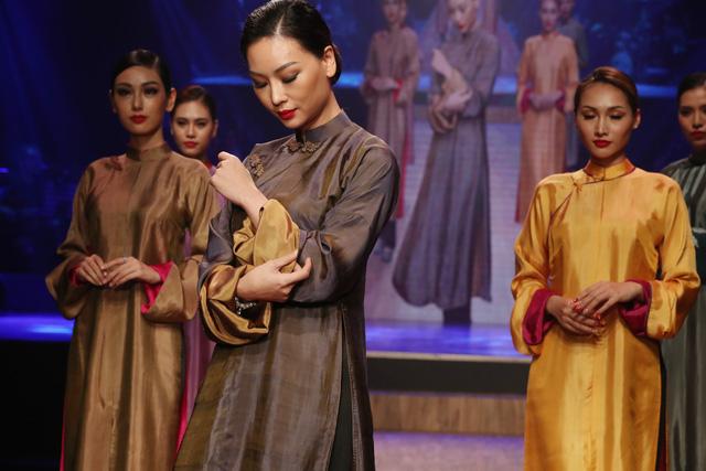 Diệu Fashion show và khi áo dài trên nền nhạc Trịnh - Ảnh 2.