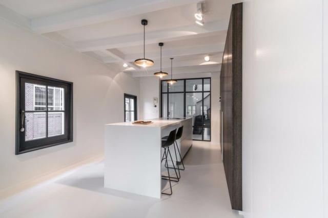 Thiết kế siêu thoáng khiến căn hộ Amsterdam rộng hơn hẳn - Ảnh 13.
