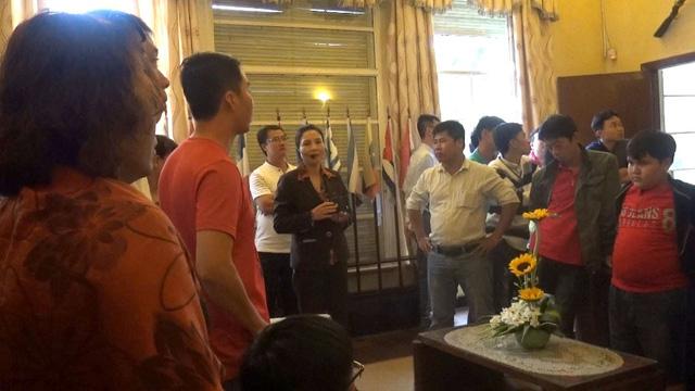 Du khách đến Lâm Đồng phải mặc trang phục phù hợp: Có nhất thiết phải đặt ra quy định này không?
