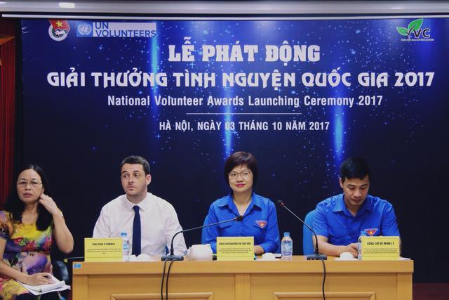 Giải thưởng Tình nguyện quốc gia 2017 tôn vinh người vì cộng đồng - Ảnh 1.