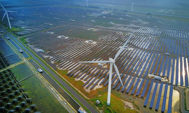 Thế giới vào kỷ nguyên năng lượng mặt trời - Ảnh 2.