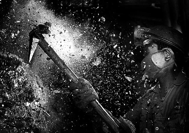 Khoảnh khắc vùng than - đẫm hơi thở của người vùng mỏ - Ảnh 3.