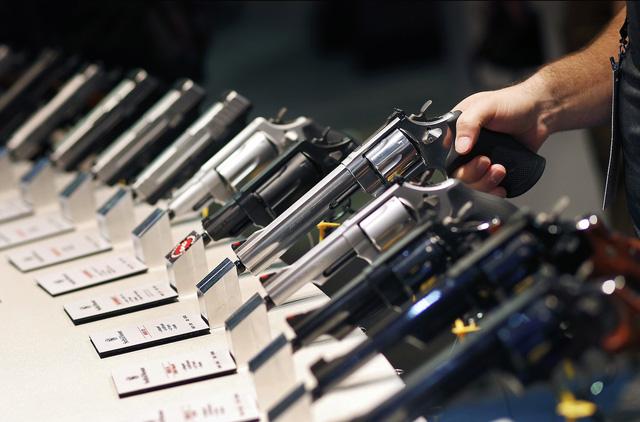 Ở Nevada mua súng dễ hơn mua rau - Ảnh 1.