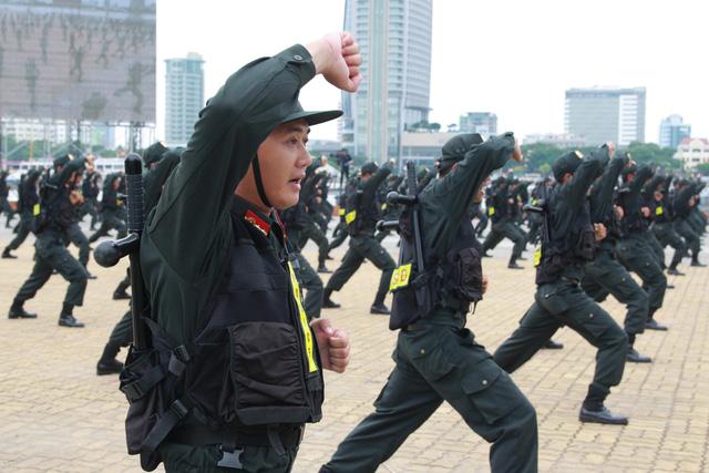 Diễn tập phương án chống khủng bố bảo vệ APEC - Ảnh 15.
