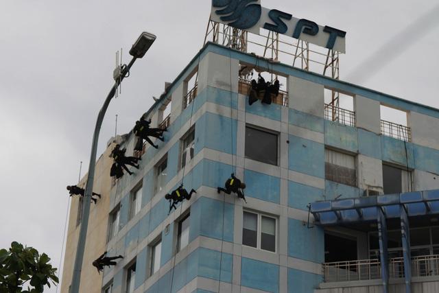 Diễn tập phương án chống khủng bố bảo vệ APEC - Ảnh 20.