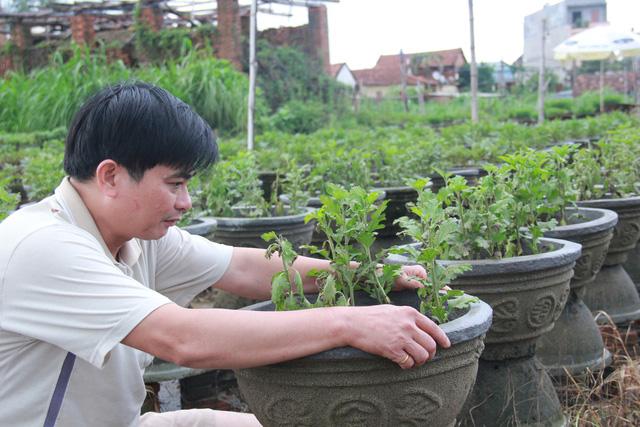Tuổi Trẻ đưa hàng cứu trợ đến vùng lũ Bình Sơn - Quảng Ngãi - Ảnh 8.
