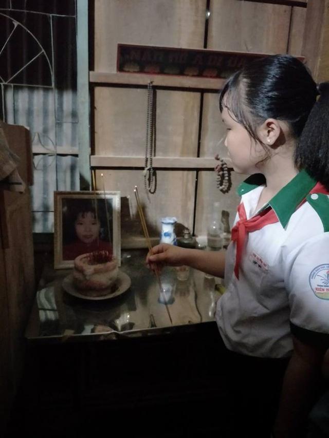 Nén nỗi đau mất mẹ, nuôi ước mơ đến trường - Ảnh 3.