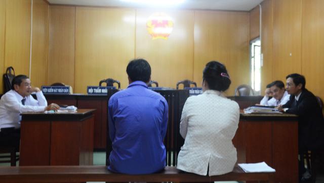 Trả hồ sơ vụ án liên quan vợ một cán bộ công an đưa hối lộ - Ảnh 1.