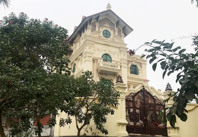 Nhà máy nợ nần, sếp Gang thép Thái Nguyên xây biệt phủ - Ảnh 1.