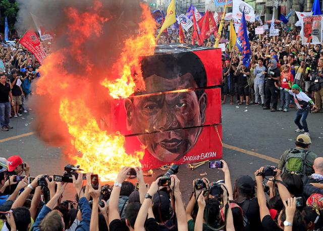 Ông Duterte yêu cầu các nhà ngoại giao EU rời khỏi Philippines - Ảnh 1.
