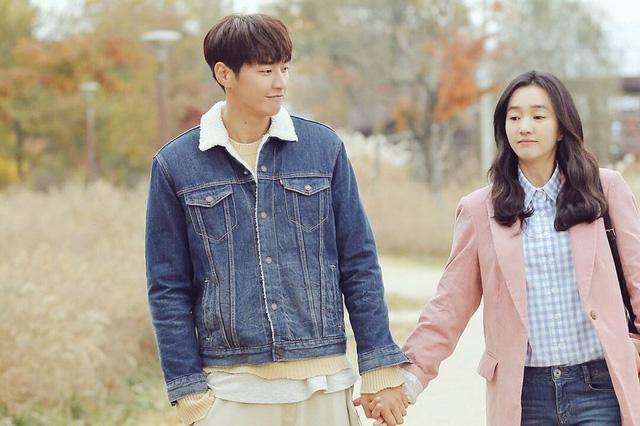 Nữ hoàng nước mắt Soo Ae đối phó Bố dượng tuổi 30 - Ảnh 1.