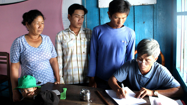 Campuchia rà soát giấy tờ: Người gốc Việt không nên quá lo lắng - Ảnh 1.