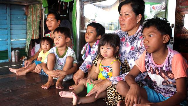 Campuchia rà soát giấy tờ: Người gốc Việt không nên quá lo lắng - Ảnh 2.