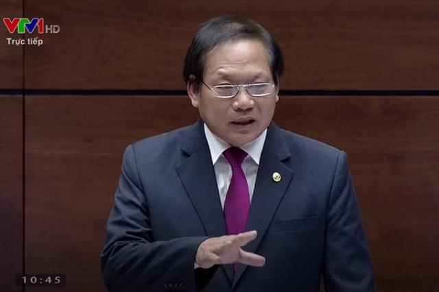 Mạng xã hội làm 'nóng' chất vấn bộ trưởng Trương Minh Tuấn? - Ảnh 1.