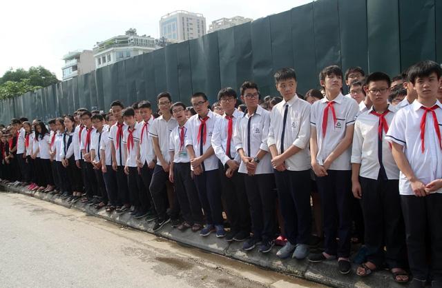 Nghẹn ngào đưa tiễn PGS-TS Văn Như Cương về cõi vĩnh hằng - Ảnh 6.