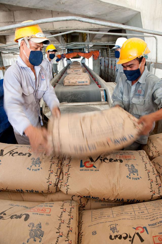Xuất khẩu gần 500 triệu USD, ximăng vẫn lo dư cung - Ảnh 1.