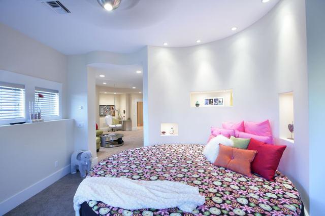 Các mẫu giường tròn cho cặp đôi lãng mạn - Ảnh 3.
