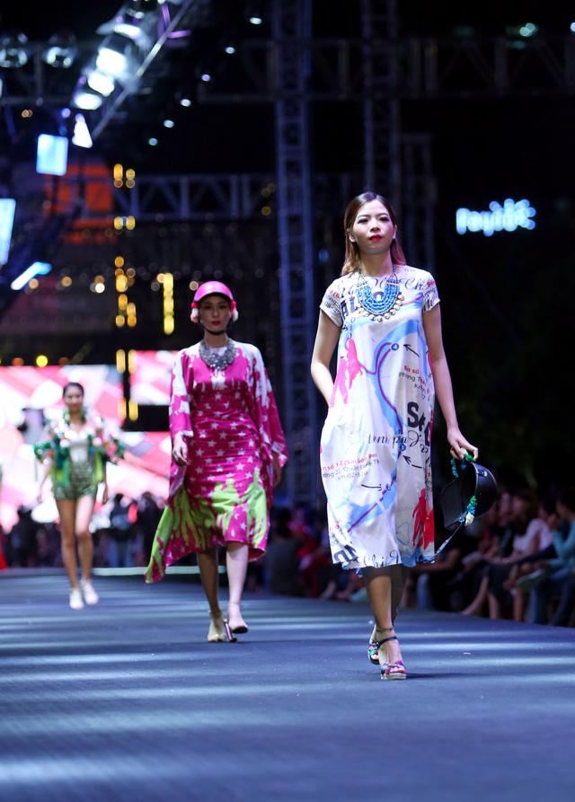 Bản đồ Sài Gòn lên bộ sưu tập thời trang của Dạ Thảo - Ảnh 4.