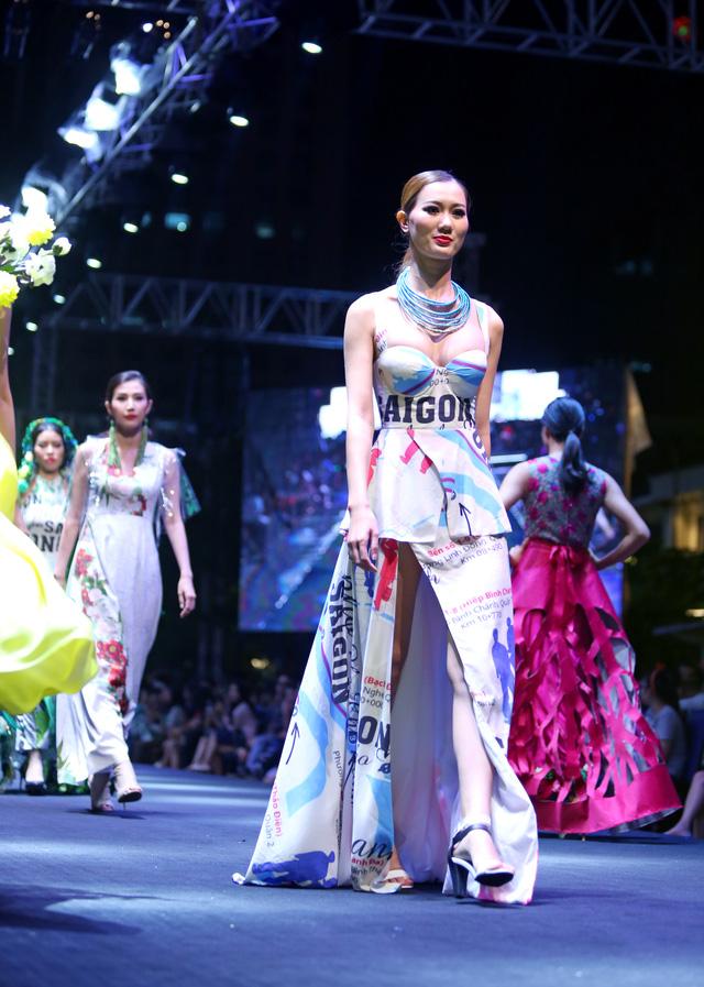 Bản đồ Sài Gòn lên bộ sưu tập thời trang của Dạ Thảo - Ảnh 9.