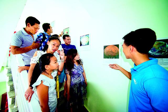 Khám phá vũ trụ ở đài thiên văn đầu tiên của Việt Nam - Ảnh 4.