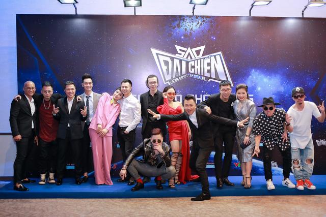 Việt Tú lần đầu làm đạo diễn gameshow - Ảnh 2.