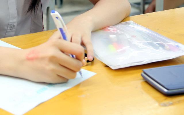 Lộ đề kiểm tra môn Toán lớp 12 ở Khánh Hòa - Ảnh 1.