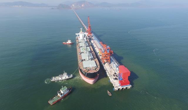 Nghệ An mở cầu cảng quốc tế đón tàu 70.000 tấn - Ảnh 1.