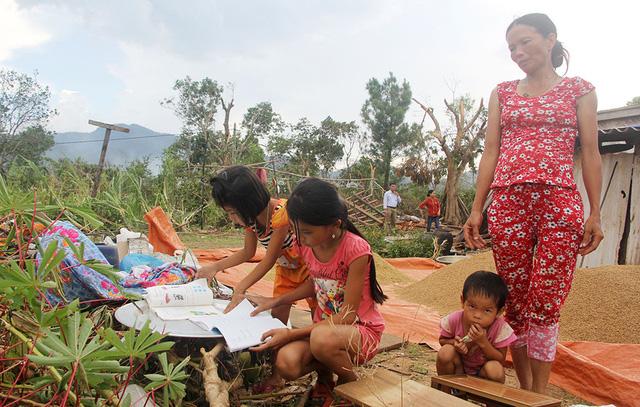 Sẽ dựng lại nhà từ quà của bạn đọc báo Tuổi Trẻ - Ảnh 7.